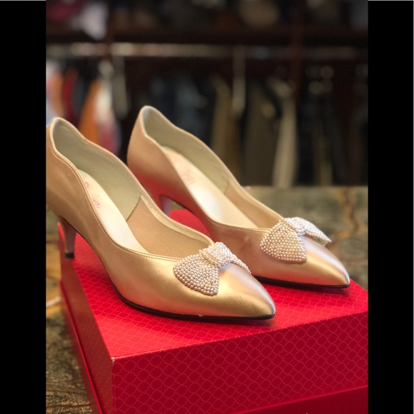 e740a6c73443 Dolce by Pierre Shoes - Dolce pale pink kitten heels.